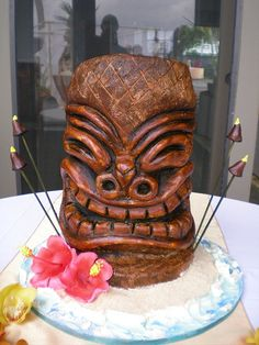 I thought this was a ham.hahahaha................ but it's Tiki Cake 2