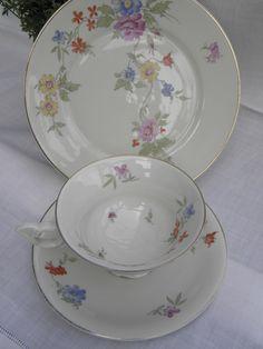"""Altes Porzellan ist einfach etwas wunderbares! Sammeltasse """"Primavera"""" von sabinchenfrauenzimmer auf DaWanda.com"""