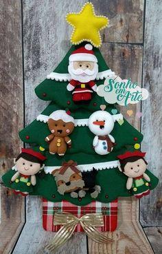 Felt Christmas Decorations, Christmas Stockings, Christmas Ornaments, Holiday Decor, Xmas Crafts, Felt Crafts, Diy And Crafts, Christmas 2016, Christmas And New Year