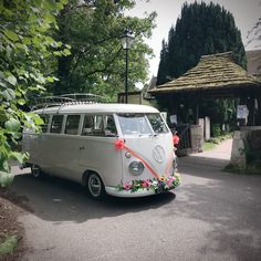 Absolutely loving the bright orange ribbons and bows with bright flowers adorning the bumper. This is certainly a wedding car you can't miss and what a lovely change from white! Vw Bugs, Bus Camper, Bright Flowers, Volkswagen Bus, Wedding Car, Modified Cars, Campervan, Cool Cars, Dream Cars