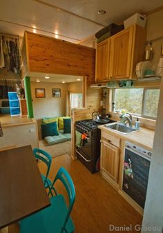 This is an interesting set up.  Brittany & Dan Gibeau Explain… How To Build Your Dream Mountain Tiny House