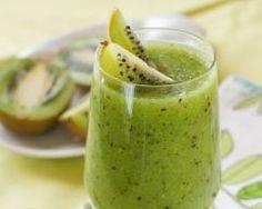 Coktail kiwi, citron et menthe : http://www.cuisineaz.com/recettes/cocktail-kiwi-citron-et-menthe-14396.aspx