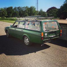 An epic green angel! Volvo Station Wagon, Volvo Wagon, Car Station, Volvo Cars, Oooo Car, Volvo Estate, Garage Cafe, Volvo 240, Ferdinand Porsche