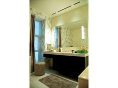 #PascalDelmotte #interiordesign #home #design #decorating #residentialdesign #homedecor #colors #decor #designidea #mirror Home Design, Interior Design, Bathroom Lighting, Mirror, Furniture, Color, Home Decor, Nest Design, Bathroom Light Fittings
