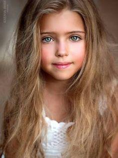 What beautiful eyes. Pretty Kids, Beautiful Little Girls, Beautiful Children, Beautiful Eyes, Beautiful Babies, Cute Kids, Beautiful People, Child Face, Precious Children