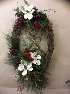 Magnolienkranz, Y& & Wreath Crafts, Diy Wreath, Wreath Ideas, Door Wreaths, Grapevine Wreath, Holiday Wreaths, Christmas Decorations, Winter Wreaths, Magnolia Wreath