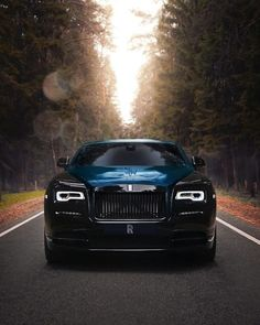 At the intersection of luxurious comfort and elevated confidence comes the Black Rolls Royce. Check out our collection of few stunning black Rolls Royce. Rolls Royce Wraith Black, Rolls Royce Black, Rolls Royce Cars, Rolls Wraith, Rolls Royce Phantom, Classic Cars British, Best Classic Cars, Modern Classic, Bugatti