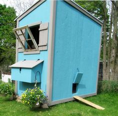 DIY shed-style Chicken Coop plans from Ana White (so you already know the plans are awesome). It Clicks on the Pin & It gets the free plans. Chicken Coop Designs, Chicken Coop Plans Free, Cute Chicken Coops, Backyard Chicken Coops, Building A Chicken Coop, Building A Shed, Chickens Backyard, Backyard Ideas, Building Plans