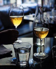 Kallio Wino on paikka, jossa voi nauttia erinomaista tartaria ja naukata sen kylkeen lasillisen vielä erinomaisempaa luonnollista viiniä. Löytö, todella!