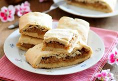 Foto: Andrea Jungwirth Apfelschlankel Apple Pie, Desserts, Food, Apple Crumble Recipe, Sheet Pan, Oven, Dessert Ideas, Cooking Recipes, Food Food