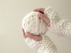 Fingerless Mittens... They look so cozy!