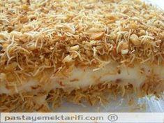 Muhallebili kadayıf - Custard with Shredded wheat and nuts - Turkish Desert Armenian Recipes, Turkish Recipes, Ethnic Recipes, Delicious Desserts, Dessert Recipes, Turkish Sweets, Good Food, Yummy Food, Arabic Food