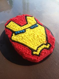 The finished product. Easy iron man cake for Corbin's birthday. He is thrilled with it :) Ironman Cake, Superhero Cake, Cakes For Men, 4th Birthday, Iron Man, Sweet Treats, Holidays, Easy, Desserts