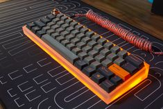 Gaming Desk Setup, Computer Gaming Room, Computer Setup, Pc Setup, Computer Build, Gaming Rooms, Pc Gamer, Gamer Room, Diy Mechanical Keyboard