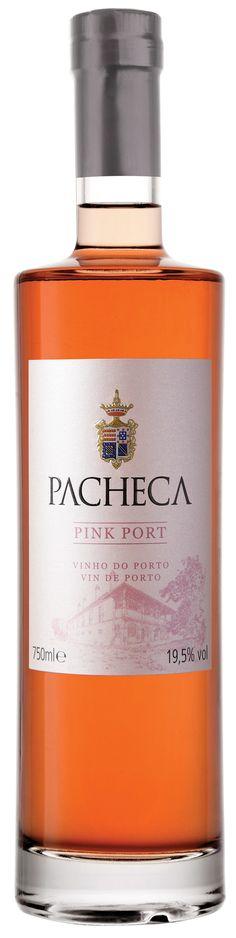 Der Rose Port wird aus Rotweintrauben hergestellt. Die Lese erfolgt in 25 kg-Kisten und die Trauben werden sofort in die Quinta transportiert, wo der Wein produziert und aufgespritet wird. Grapefruit, Whiskey Bottle, Perfume Bottles, Drinks, Rose, Port Wine, Crates, Wine, Flasks