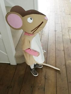 DIY Halloween Costumes for Kids that'll get your Honey-Bunny all excited for Halloween – Gravetics he Gruffalo mouse costume for World Book Day. Halloween Infantil, Diy Halloween Costumes For Kids, Diy Halloween Decorations, Costume Halloween, Costume For Kids, Bunny Costume Kids, Halloween Parties, Halloween Horror, Halloween Night