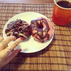 Thank you @ini_studios_brooklyn for the beautiful sweet donuts for the morningモーニングはドーナツと新作リング重ね付け❤️www.PigeonDynamite.etsy.com #pigeondynamite #jewelry #etsy #etsygram #jewelrygram #showyourjewelry #oneofakindjewelry#handmadejewelry #oneofakind #madeinnyc #jewelrylovers #etsyjewelry #ご褒美ジュエリー #リング#クリーマ #アクセサリー#ジュエリー#贈り物#手作りジュエリー #ハンドメイドジュエリー #指輪#ring#handmadering #モーニングコーヒー#ドーナツ#ニューヨーク#morningcoffee#stackingrings