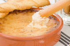 Trempette chaude aux oignons, bacon et fromage