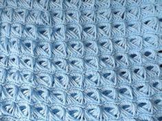 Crochet Baby Blanket Beginner, Crochet Blanket Patterns, Crochet Stitches, Easy Crochet Projects, Crochet Crafts, Broomstick Lace Crochet, Crochet Lace, Honeycomb Stitch, Crochet Videos