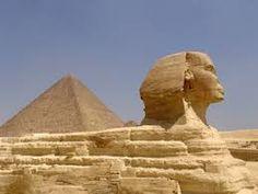 La cultura egípcia té més de cinc mil anys d'història escrita. L'Antic Egipte va ser una de les primeres civilitzacions humanes amb una cultura complexa, diferenciada i estable que va influenciar altres cultures d'Europa, de l'Orient Mitjà i d'Àfrica.