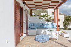 Sitting Area, Beautiful Islands, Ground Floor, Beautiful Gardens, Villa, Roses, House Design, Flooring, Bed