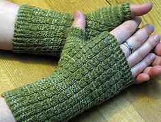 Ravelry: Six degrees of Separation Fingerless Mitts pattern by The Hybrid. Yes Joanna, these are your hands and they're the top picture on the Ravelry pattern page! Crochet Fingerless Gloves Free Pattern, Fingerless Gloves Knitted, Mittens Pattern, Crochet Gloves, Knit Mittens, Knit Hats, Wrist Warmers, Hand Warmers, Knitting Patterns Free