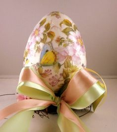 Silk ribbon, a little nest and one beautiful easter decorated egg