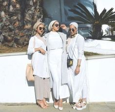 Hijab + Cohesive + White on White (sally. Islamic Fashion, Muslim Fashion, Modest Fashion, Hijab Fashionista, Casual Hijab Outfit, Hijab Chic, Modest Wear, Modest Dresses, Modest Clothing