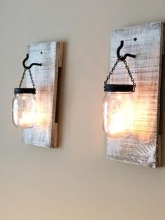 Modern furniture: battery wall lights diy pallets and mason jar Pot Mason Diy, Mason Jar Lamp, Wooden Lamp, Wooden Diy, Diy Wood, Wooden Crafts, Battery Wall Lights, Home Decor Items, Diy Home Decor