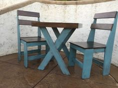 Cascade Blue Chalk-painted Pallet Bistro Set