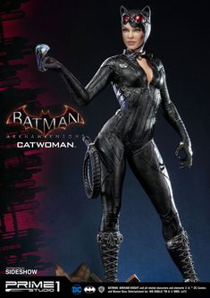 The Batman: Arkham Knight Catwoman Statue is a lot more than the cat's meow. Selina Kyle comes to life as a highly-detailed, tall statue that Batman Arkham Knight Catwoman, Arkham Knight Costume, Marvel Dc, Marvel Comics, Catwoman Cosplay, Gotham Girls, Pokemon Cosplay, Batwoman, Comic Book Characters