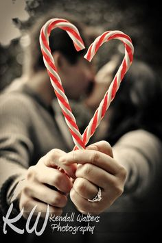 This would be a cute Christmas card idea! Candy Cane Heart Christmas Photoshoot | Kendall Walters Photography