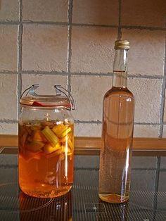 Rhabarber - Vanille - Likör, ein sehr leckeres Rezept aus der Kategorie Likör. Bewertungen: 183. Durchschnitt: Ø 4,6.