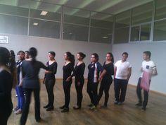 Soy la niña mas alta de mi grupo. <3 <3 Aquí nos formamos por estaturas para saber nuestro lugar en el salón para la clase.