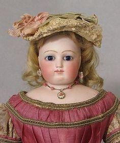 Faraway Antique Shop online catalog - Dolls