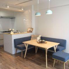 Home Modern Design Interior Mid Century 60 Ideas Kitchen Seating, Kitchen Nook, Home Decor Kitchen, Kitchen Interior, Small Kitchen Diner, Small Kitchen Tables, Small Apartment Kitchen, Kitchen Layout, Dining Nook