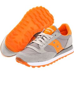 Jazz Original W by Saucony Originals, just bought these old schools that i used to wear all of the time !