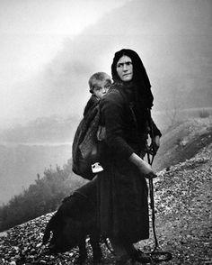 greek beauty in photography :: costas balafas Old Pictures, Old Photos, Vintage Photos, Vintage Photography, Art Photography, Greece Photography, Costa, Greek Beauty, Mothers Love