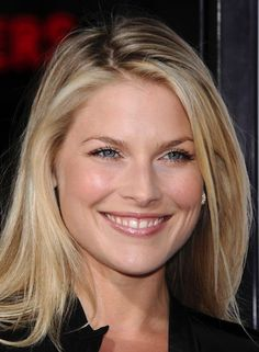 Ali Larter 'Vanessa Whittaker' Friend of Derek and Katie and coworker of Cael. Ali Larter, Portraits, Celebs, Celebrities, Curves, Hollywood, Entertainment, Movie, Smile