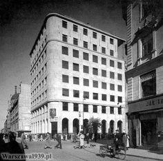 Warszawa przedwojenna - narożnik Świętokrzyskiej i Marszałkowskiej po wzniesieniu gmachu PKO oraz zburzeniu kamienicy przy Świętokrzyskiej 35 (1939)