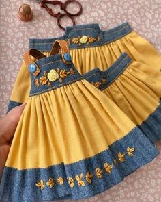 Sewing Doll Clothes, Baby Doll Clothes, Barbie Clothes, Frocks For Girls, Little Girl Dresses, Girls Dresses, Baby Girl Dress Patterns, Doll Dress Patterns, Girls Frock Design