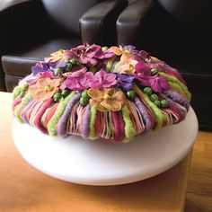 Floral arrangement ~ Jo Dieraert, florist, Zottegem    via Facebook