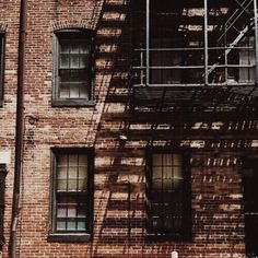 Image about brown in the warmest colour by dıkmaaka #tumblr #brown #indie #coffee #city #dark #building #theme #darkbrown #aesthetic #tagforlikes #L4L #photooftheday #color