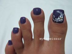 I'd do this on either my toes just as is or on my nails with the flower on my middle finger. Pretty Toe Nails, Cute Toe Nails, Fancy Nails, Diy Nails, Simple Toe Nails, Pretty Toes, Pedicure Nail Art, Toe Nail Art, Pedicure Colors