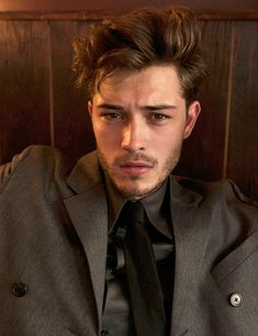 Francisco Lachowski shot by Ricardo Gomes and styled by Felix Leblhuber, for Schön! magazine.