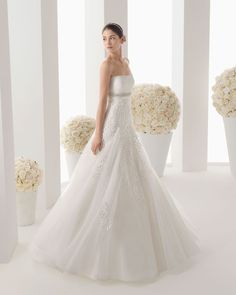 Rosa Clarà #weddingdress #weddingplanner #matrimonio #matrimoniopartystyle #bride #bridal #nozze #sposa2016 #collezionesposa2016