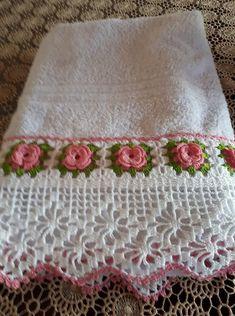 Crochet Borders, Crochet Motif, Crochet Doilies, Hand Crochet, Crochet Flowers, Crochet Lace, Crochet Stitches, Crochet Patterns, Crochet Christmas Wreath