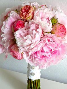 Peony Bridal Bouquet - Pioenrozen in bruidsboeket. Iets meer herfstkleuren en het is perfect!