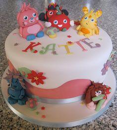 Moshi Monster Cake by Rachel Manning Cakes, via Flickr Monster Party, Monster Cakes, Belle Cake, Cupcake Cakes, Cupcakes, Moshi Monsters, Character Cakes, Girl Cakes, Birthday Cake