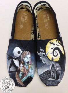 The Nightmare Before Christmas Gifts for Teen Girls: SPLURGE on Hand Painted Toms Shoes by Zachary Connelly Art @ Etsy. And Happy Halloween!